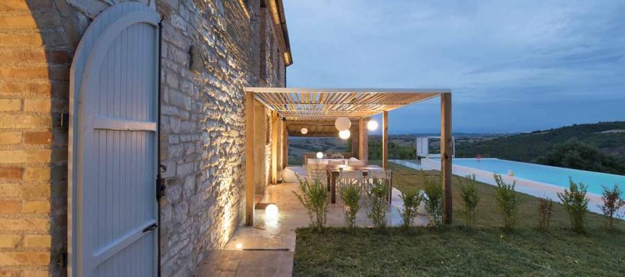 camattei-luxe-design-villa-vakantiehuis-Italië-Toscane-Marche-Reservatie-terras