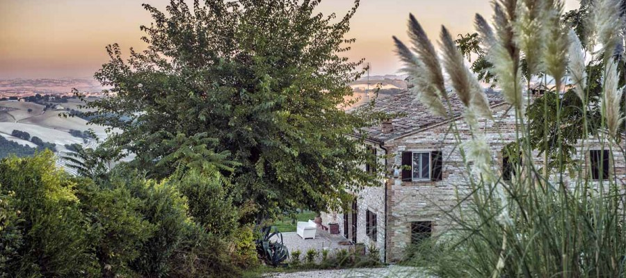 camattei-luxe-design-villa-vakantiehuis-Italië-Toscane-Marche-Welkom-uitzicht