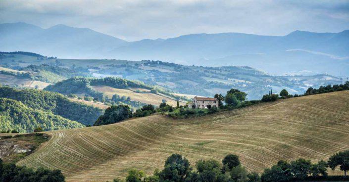 camattei-luxe-design-villa-vakantiewoning-vakantiehuis-italie-Toscane-Marche-op-berg
