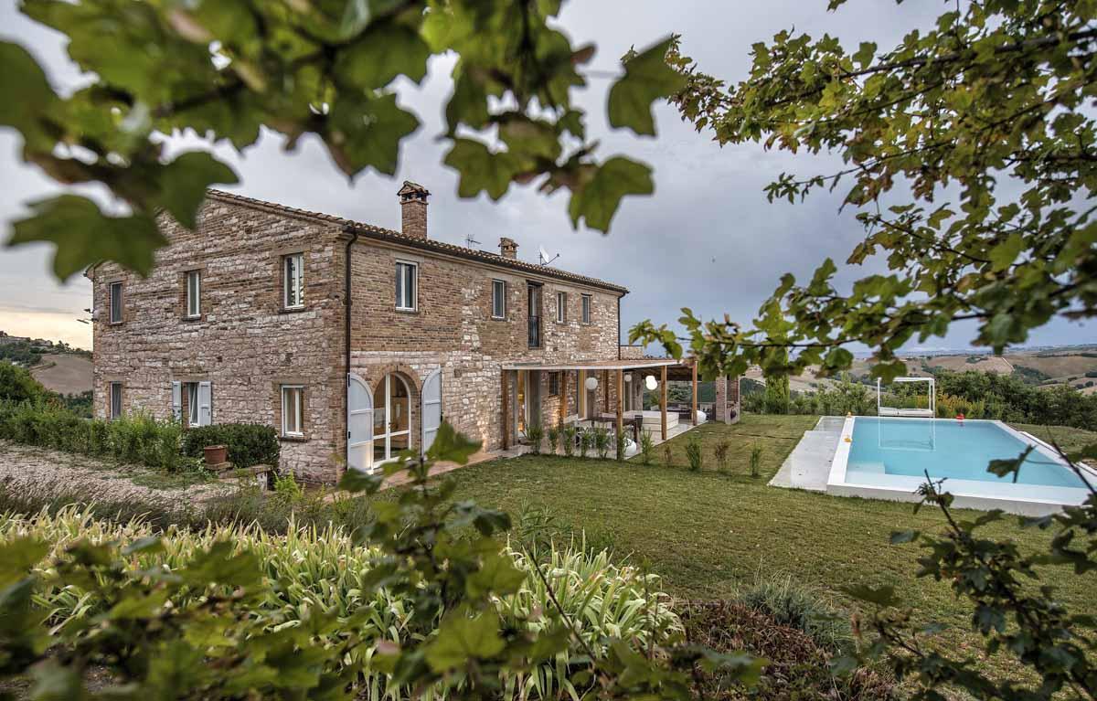 camattei-luxe-design-villa-vakantiehuis-Italie-Toscane-Marche-zwembad