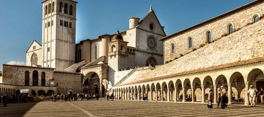 camattei-luxe-design-villa-vakantiehuis-Italië-Toscane-Marche-Locatie-Gubbio
