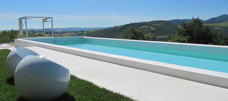 camattei-luxe-design-villa-vakantiehuis-Italië-Toscane-Marche-Reservatie-afloopzwembad