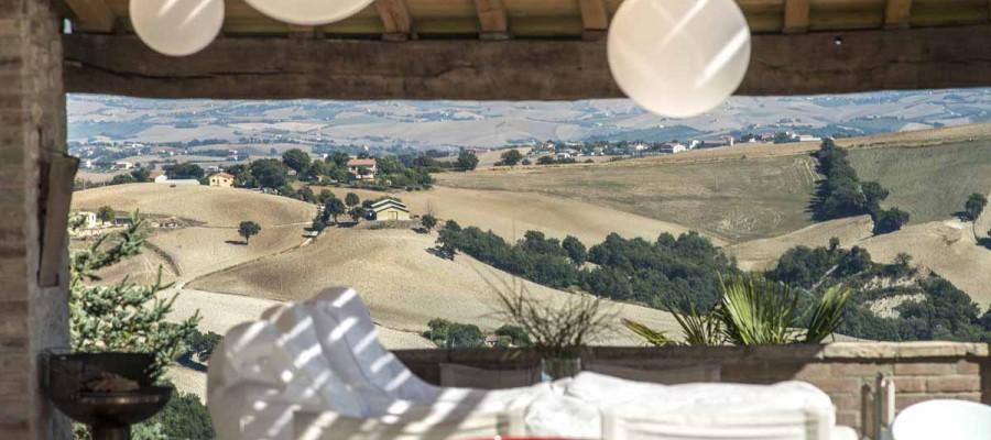 camattei-luxe-design-villa-vakantiehuis-Italië-Toscane-Marche-Reservatie-uitzicht