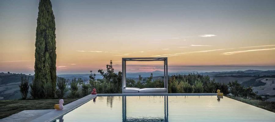 camattei-luxe-design-villa-vakantiehuis-Italië-Toscane-Marche-Reservatie-zwembad