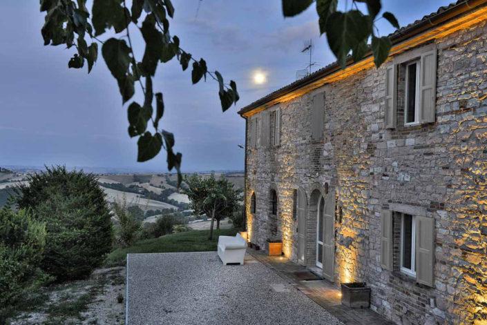 camattei-luxe-design-villa-vakantiewoning-vakantiehuis-italie-Toscane-Marche-bij-nacht
