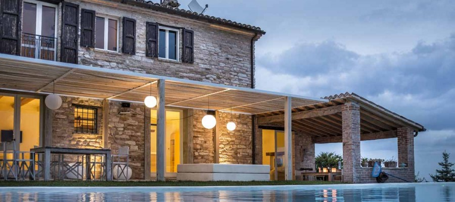 camattei-luxury-design-villa-Holidayhome-holiday-Italy-Toscany-Marche-welcome-by-night