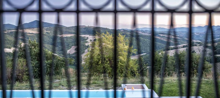 camattei-luxury-design-villa-holidayhome-holiday-Italy-Toscany-Marche-Architecture-bedroom view