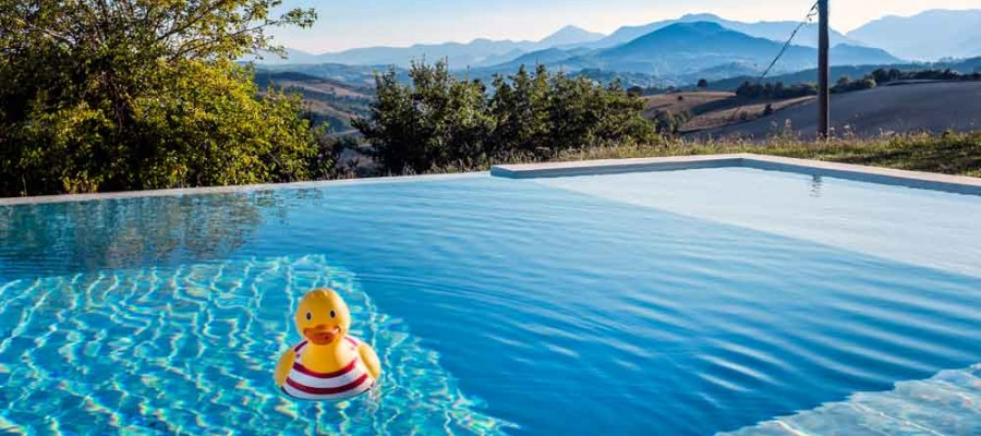 camattei-luxury-design-villa-holidayhome-holiday-Italy-Toscany-Marche-Architecture-pool and view
