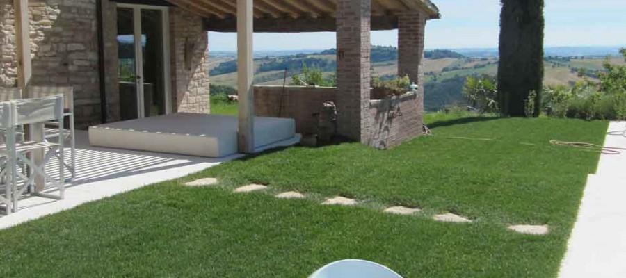 camattei-luxury-design-villa-holidayhome-holiday-Italy-Toscany-Marche-reservation-garden-path